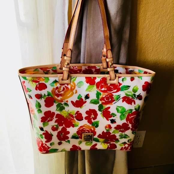 Dooney & Bourke Handbags - 💥Dooney & Bourke Tote/Shoulder bag💥